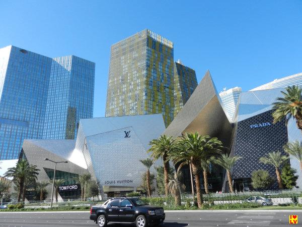 CityCenter Las Vegas; hier tref je Crystals het superluxe winkelcentrum aan met op de achtergrond de verschillende hotels