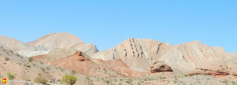 Prachtig landschap wat je tegen komt als via de Northshore Road terug rijdt naar Las Vegas