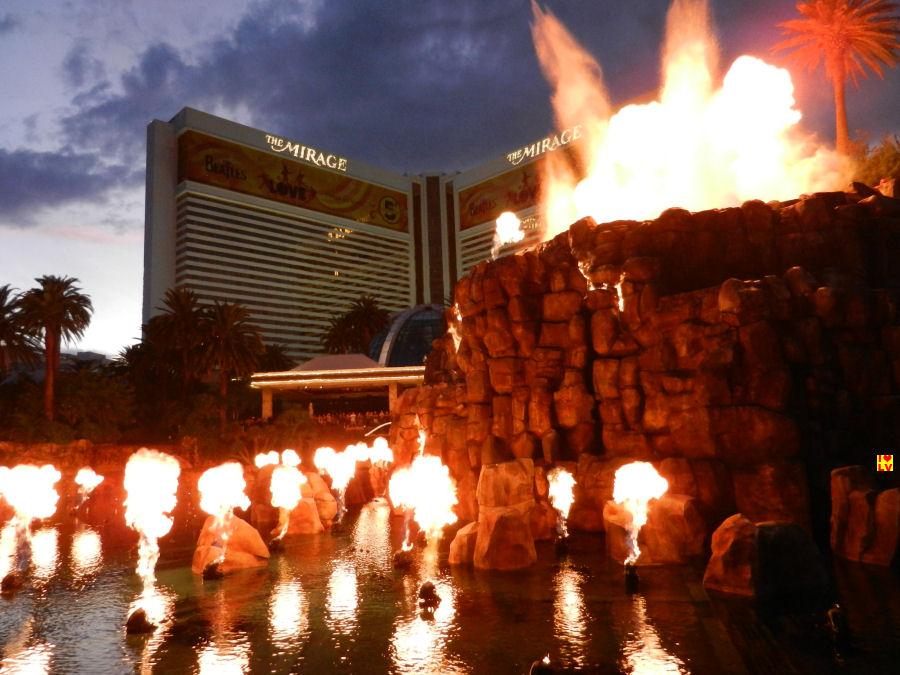 De show Volcano voor The Mirage Hotel