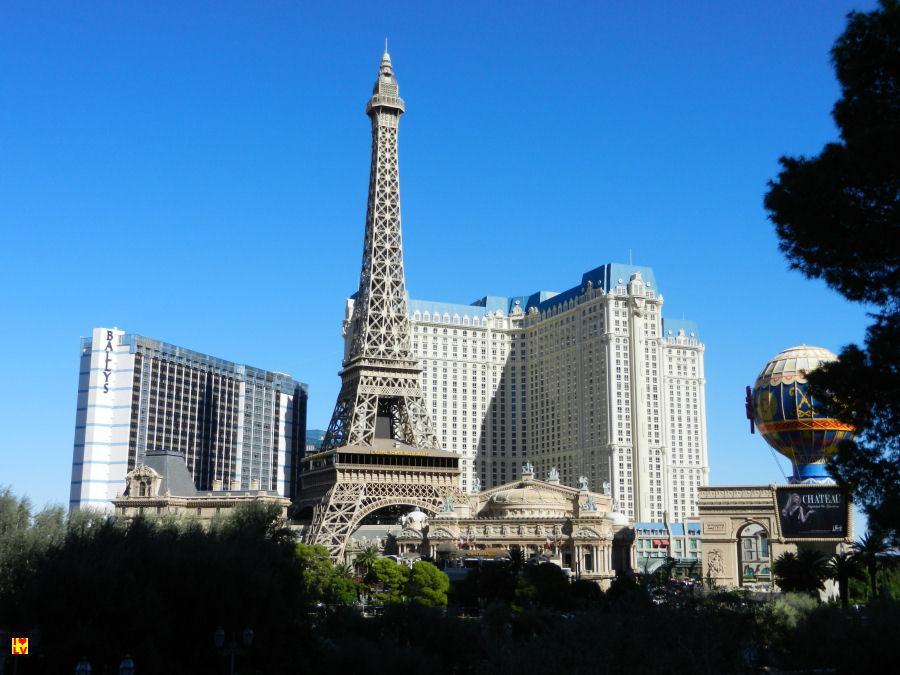 Eiffeltoren voor het Paris hotel in Las Vegas