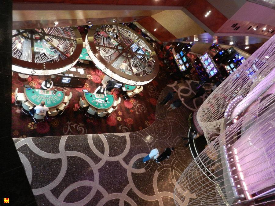 Uitzicht op het casino in het Cosmopolitan Hotel in Las Vegas.