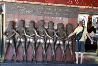 Crazy Girls Riviere Hotel en Casino; don't tough it ;-)