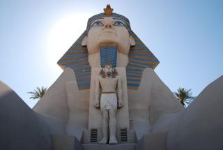 Sphinx voor het Luxor Hotel