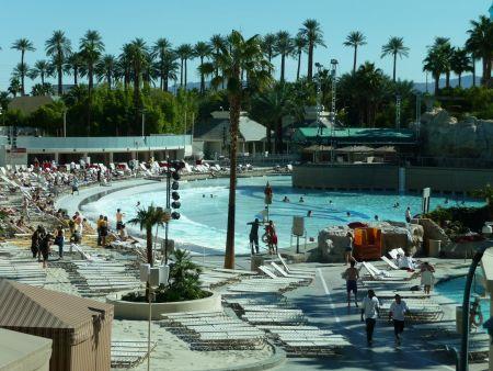 paris hotel las vegas zwembad